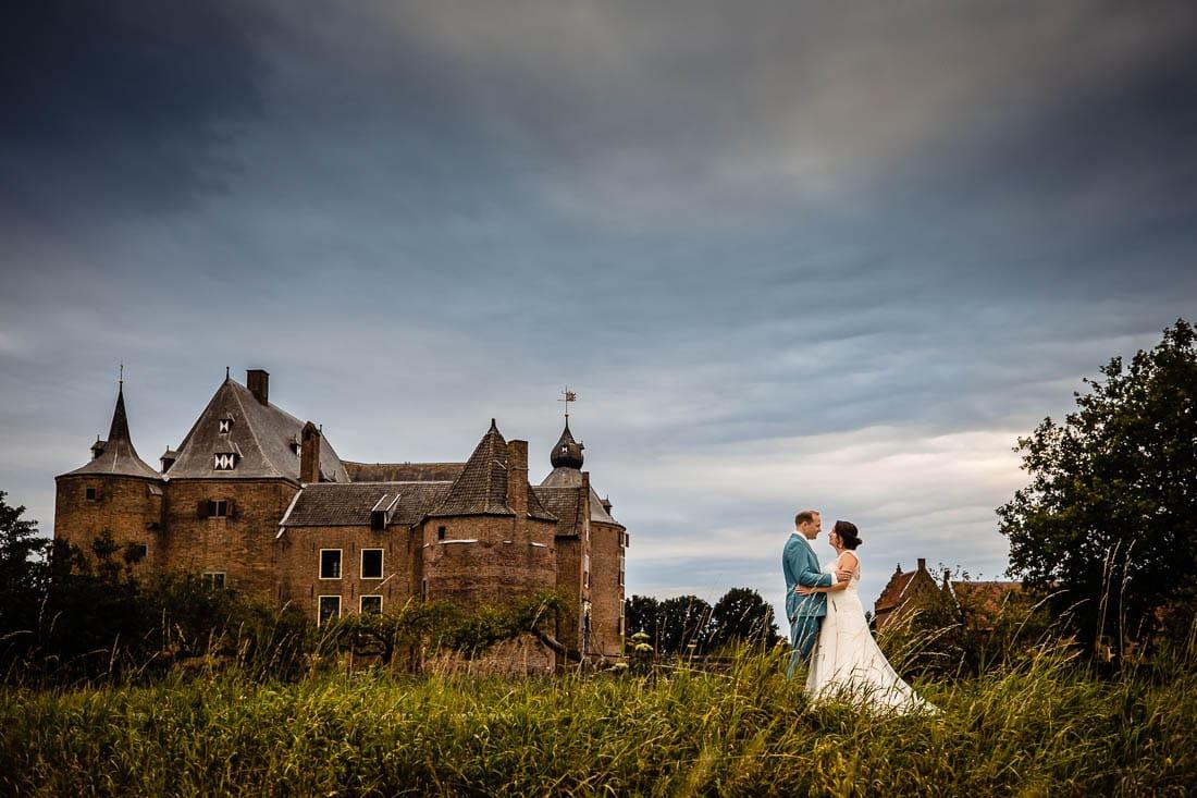 trouwen in kasteel Ammersoyen foto (285 of 355)